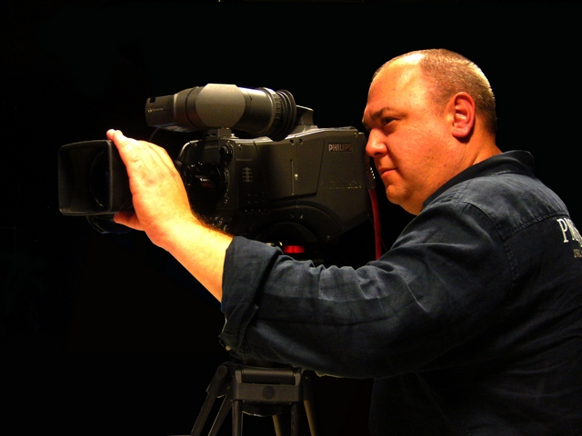Should You Hire a Freelance Cameraman?