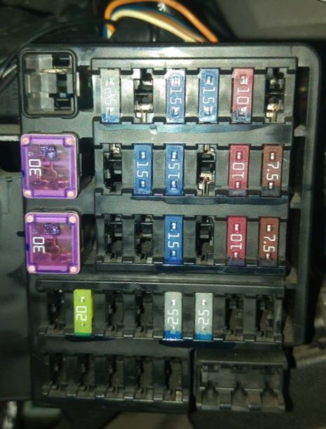 Fuse tap guide · fochica/fochica-wiki Wiki · GitHub Fuse Box Usb Car Charger on