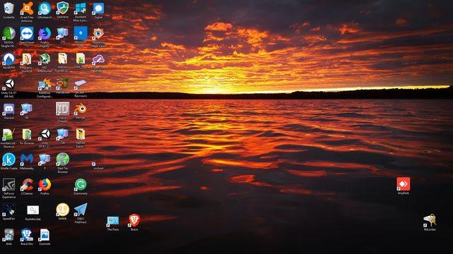 Enjoy the entire desktop