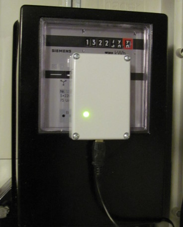 Electricity meter with infrared light barrier