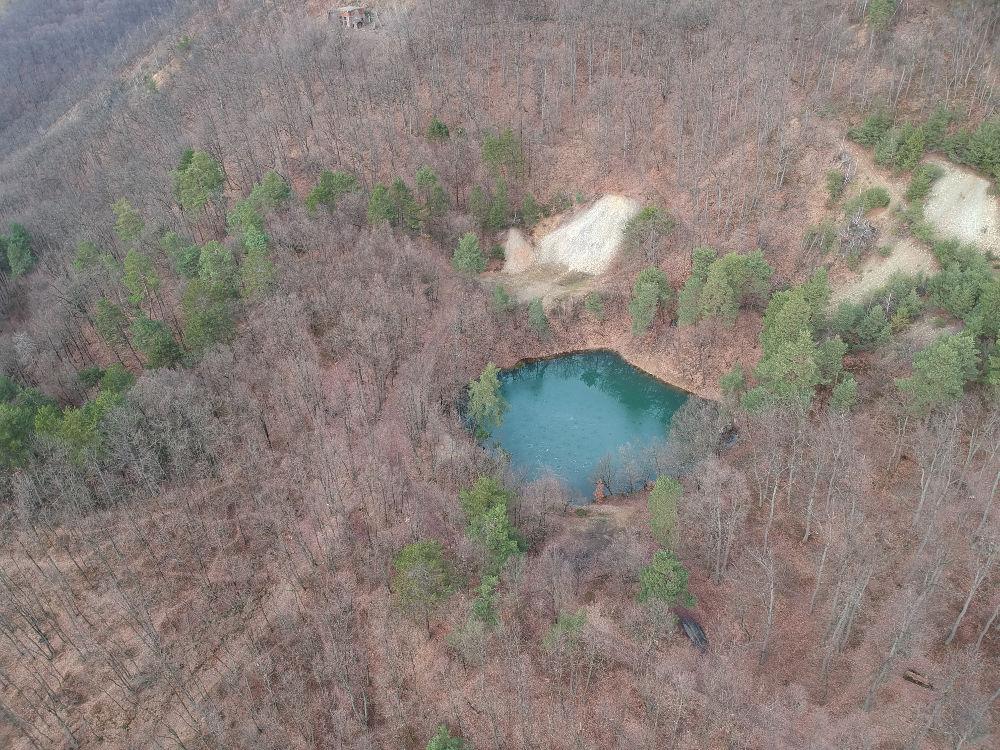 Lacul Albastru văzut din dronă
