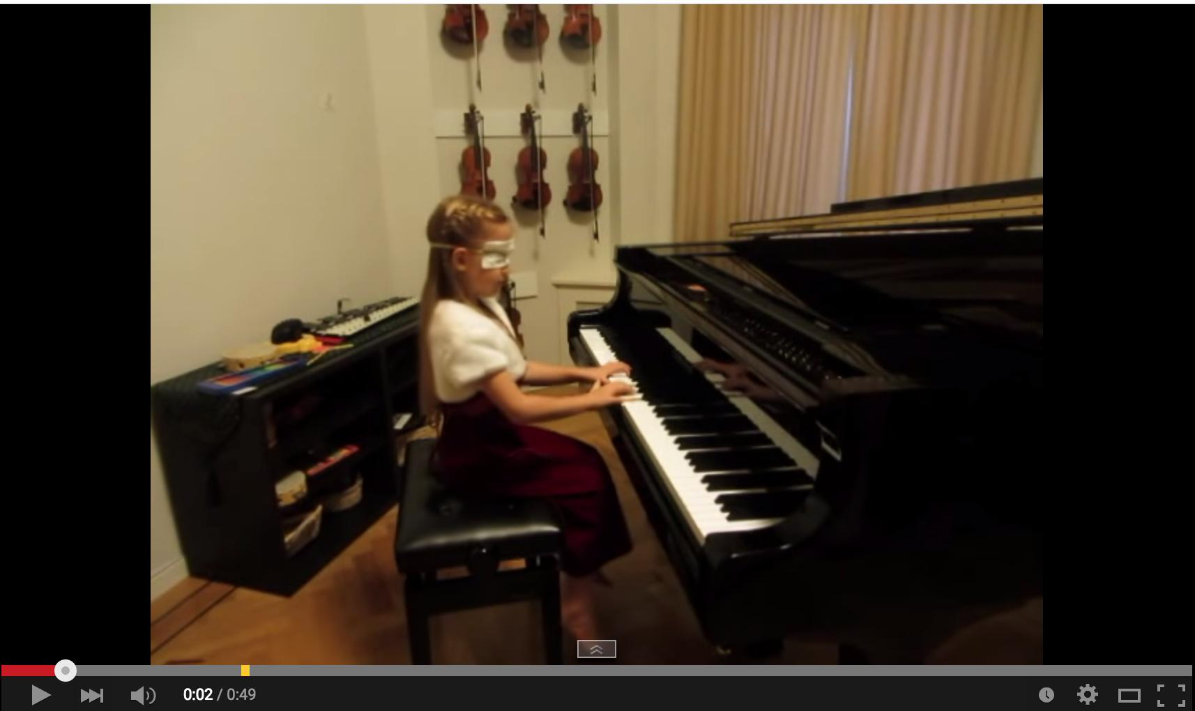 playing piano blindfolded