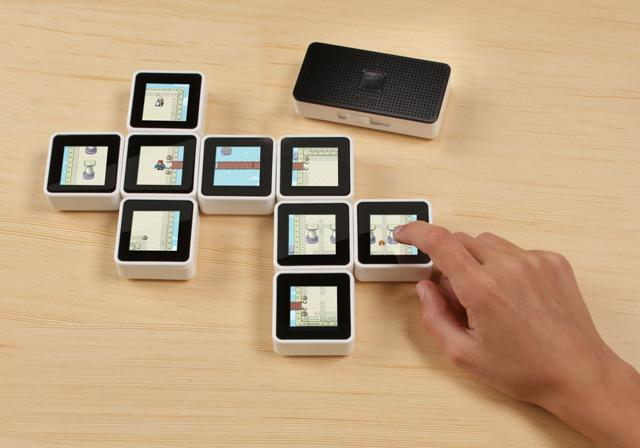 Photo of Sifteo cubes