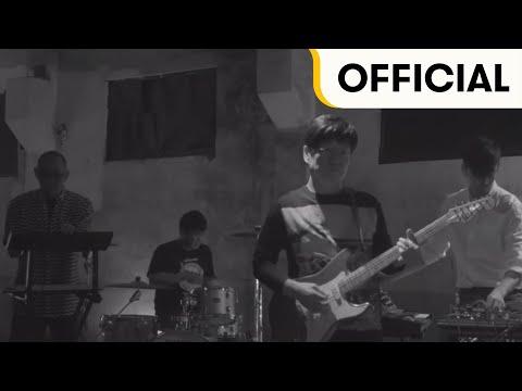 IDIOTAPE - 가지마오 / Don't Go (Official Music Video)