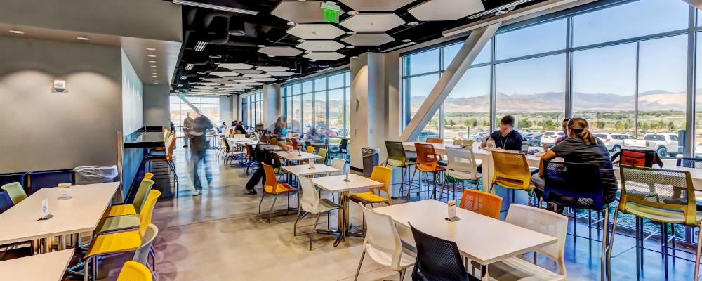 Dell: Cafeteria