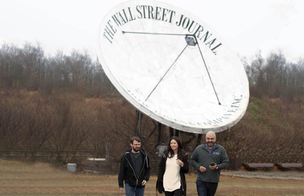 Dow Jones: Satellite